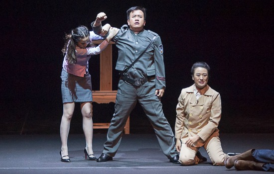 """Thunderstorm"" play performed by the Fujian People's Art Theatre at the Cairo Opera House on 20 September 2016. Photo: Bassam Al Zoghby"