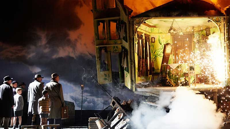 """An Inspector Calls"": Blasting Open the Drawing Room"