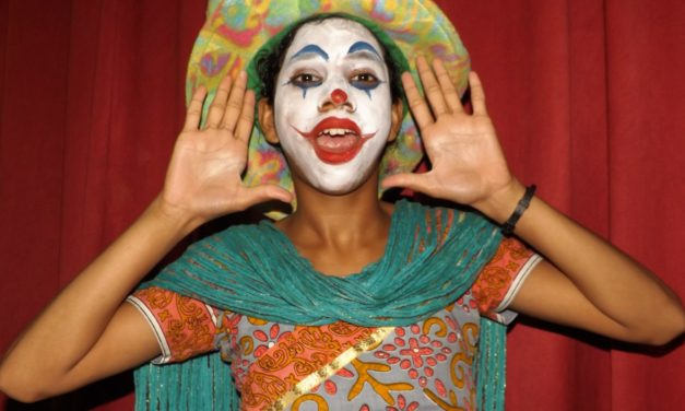 Anatomy of a Clown in Applied Theatre: From War-Torn Countries to Children Museums