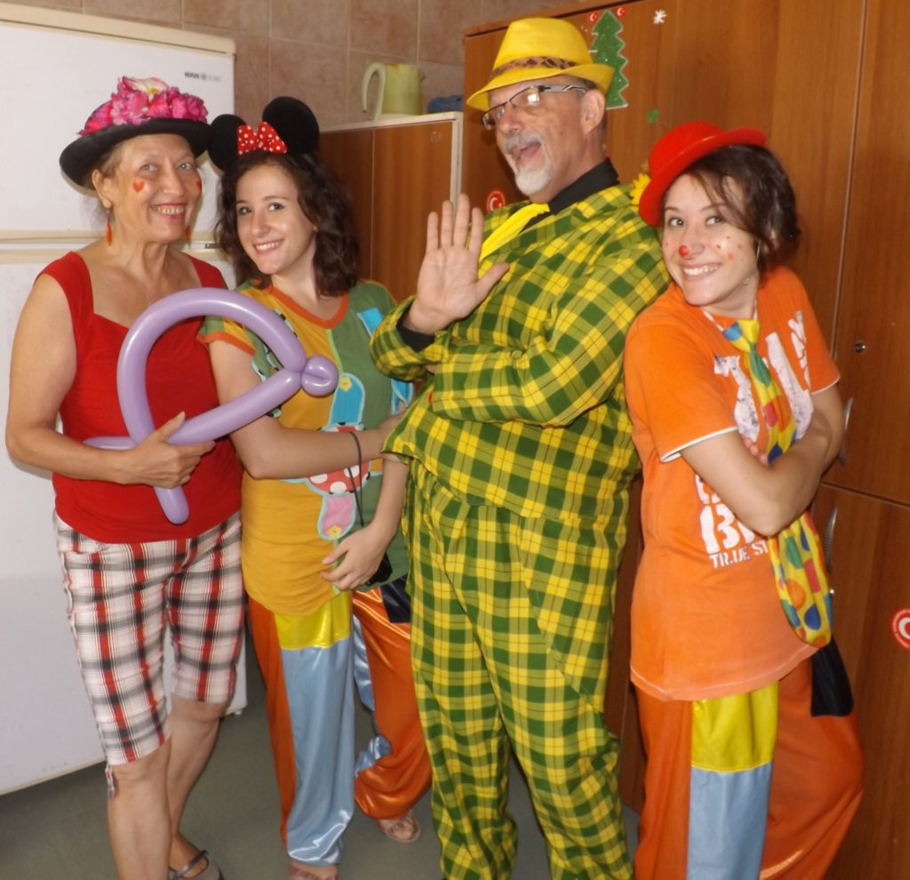 Clown therapy at a children's hospital in Adana, Turkey. A group of Turkish volunteers went around to the children's beds and cheered them up with balloons, some clown magic, and lots of laughs. Although we had some basic ideas, we used improvisation a lot – finding fun in the moment.