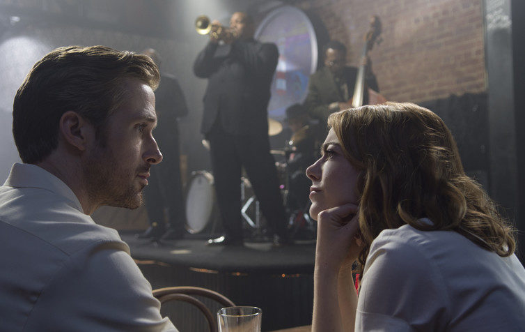 Ryan Gosling and Emma Stone in La La Land Photo Credit: Dale Robinette