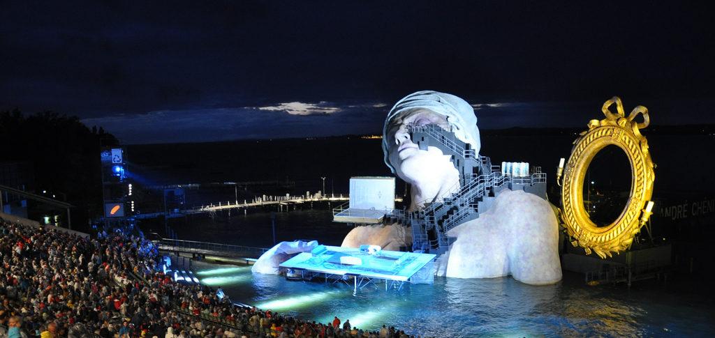 Are Festivals Public Art Institutions?