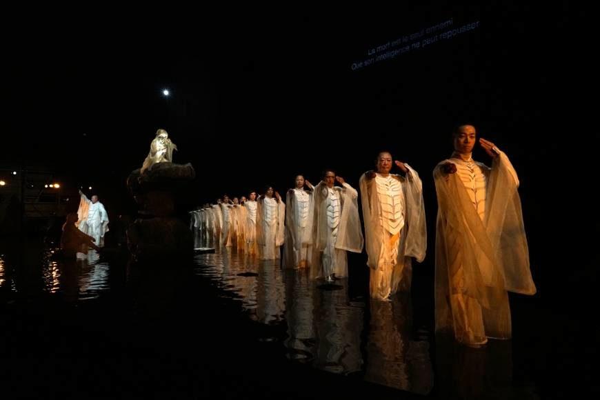 "Satoshi Miyagi Makes History on a Stage in France with ""Antigone"""