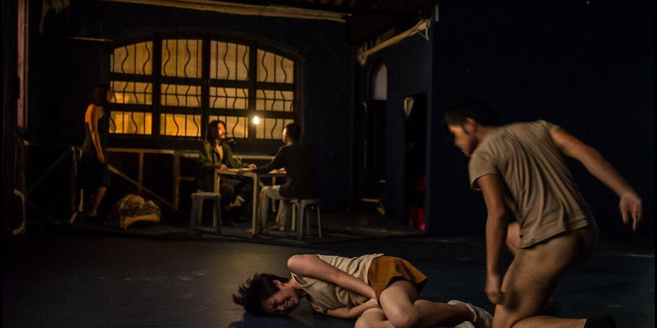 """Quai Ouest"" in Hong Kong: Extended Emotions in a Dark Warehouse"