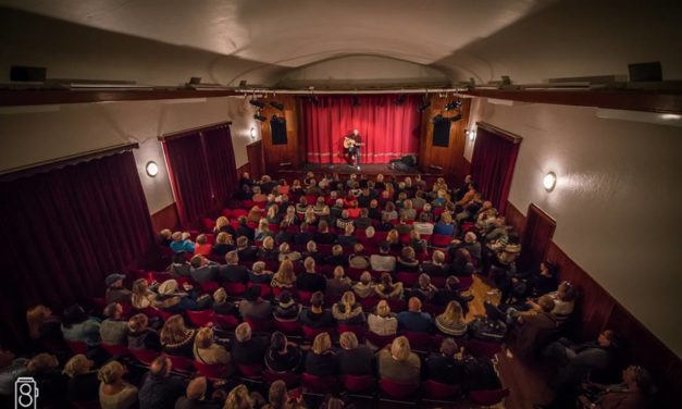 The Politics of Being Unaided: Act Alone Solo Performance Festival in Sudureyri, Iceland