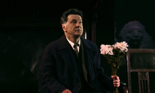 "A Stark, Beautiful ""Uncle Vanya"" from the Vakhtangov Theatre and Stage Russia HD"
