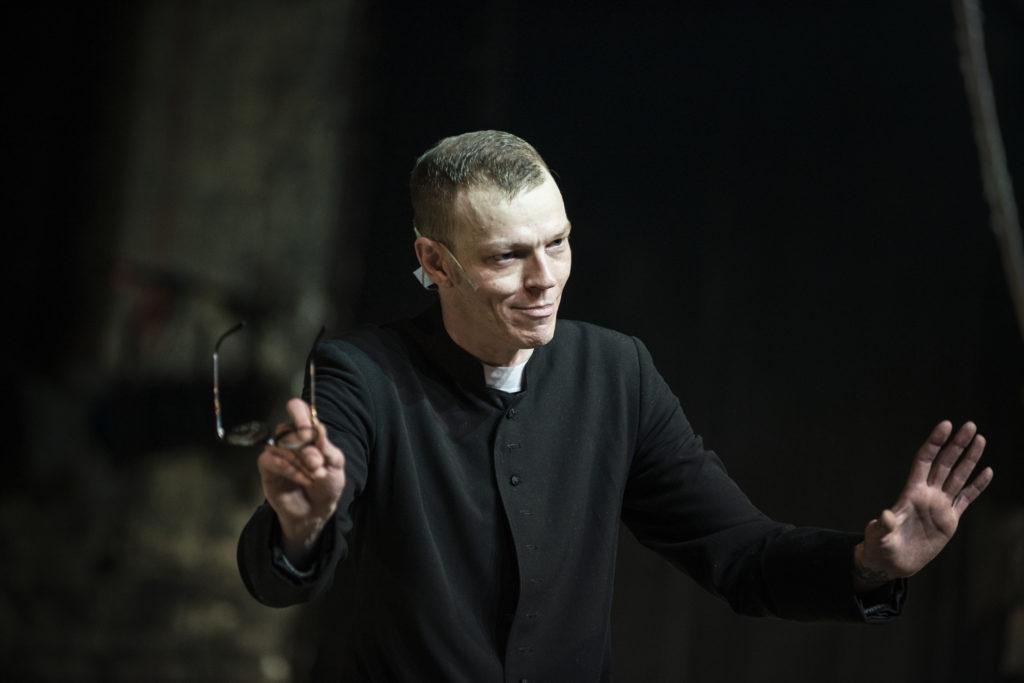 """""""Klątwa"""" [""""The Curse""""], adapted from Stanisław Wyspiański's play, dir. by Olivier Frljić, Teatr Powszechny in Warsaw, Jacek Beler, Photograph by Magda Hueckel."""