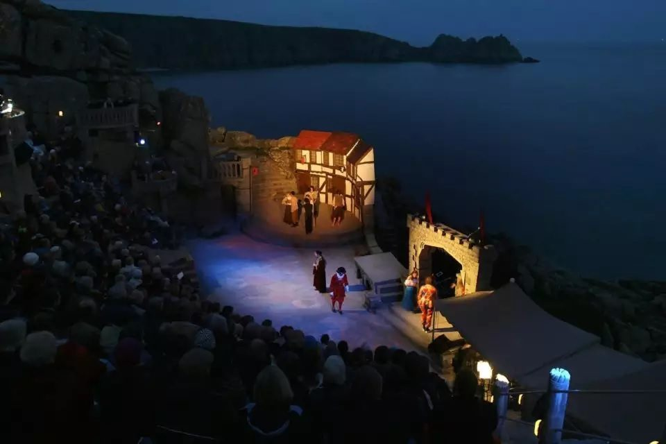 The Most Spectacular Theatres To Visit In The UK