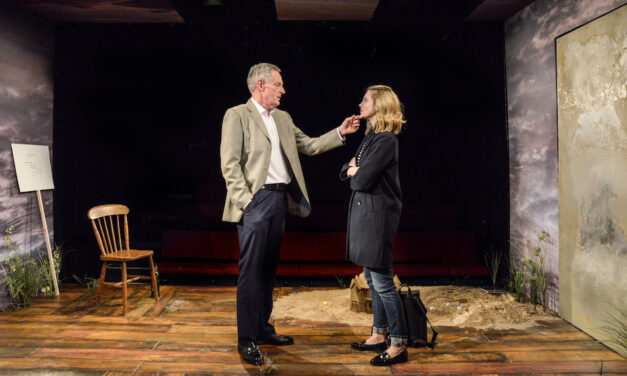"""""""Eden"""" at The  Hampstead Theatre: Building a Luxury Golf Course"""