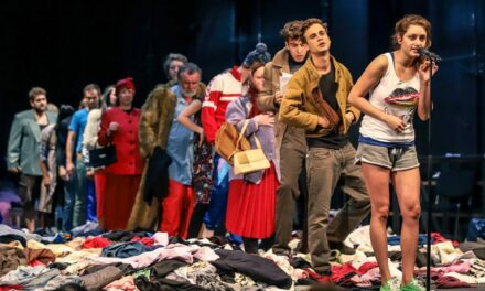 """Secondhand"" at the Örkény István Theater: Soviet Nostalgia"
