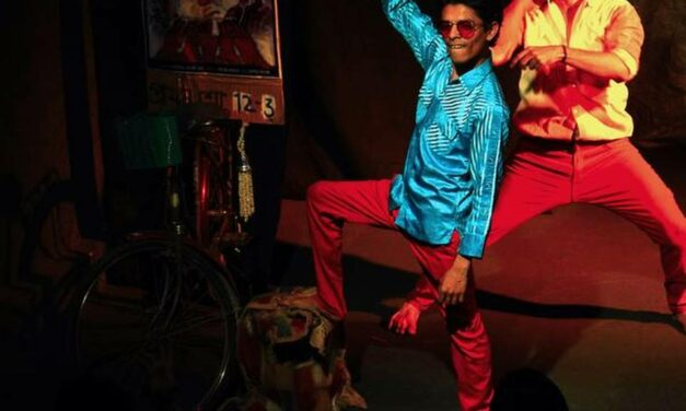 """Hero Alom"": Shattering Frameworks of Beauty in Modern Indian Theatre"