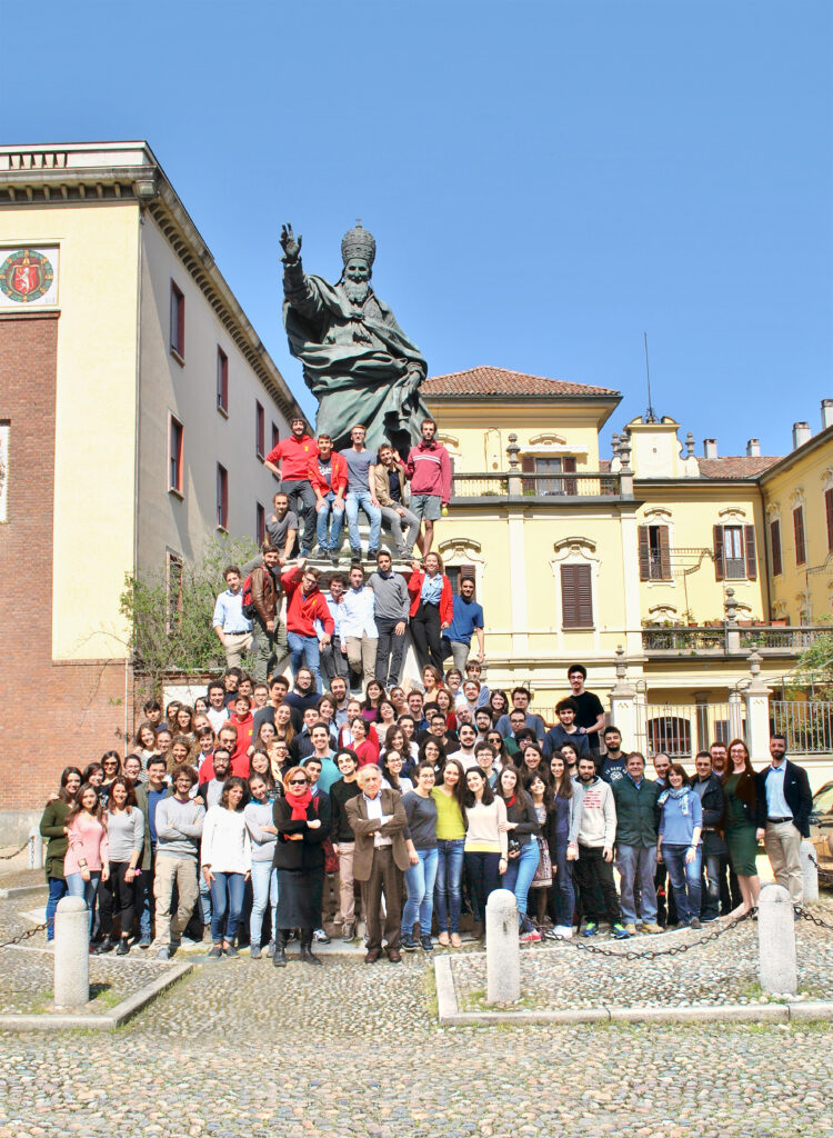 The students of Ghislieri College, near the statue of Pope Pius V. Image courtesy of Ghislieri College Archive, Pavia.