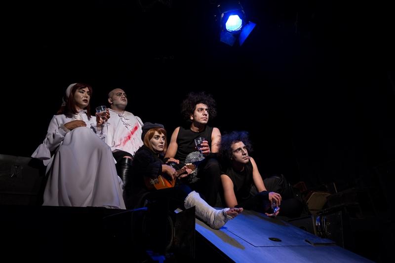 From right to left: Shahāb Abbāsiān, Hesāmoddin Mokhtāri, Nasim Shojāei, Mohammad Farajipou, Azar Khārazmi, photo by Fahimeh Hekmatandish.