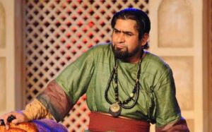 "Raising the bar: Yashpal Sharma as ""Tughlaq"" in Bhanu Bharti's adaptation of Karnad's play"
