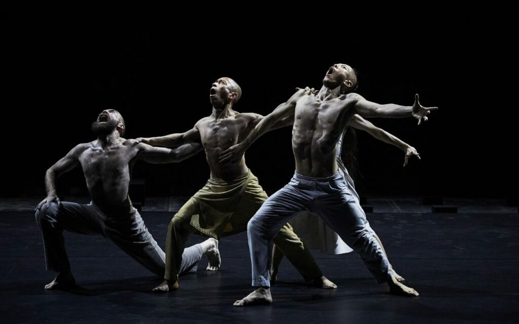 """Avignon 2019 – """"Outwitting the Devil"""": A Mesmerizing Dance and an Hypnotic Experience Created by Akram Khan"""