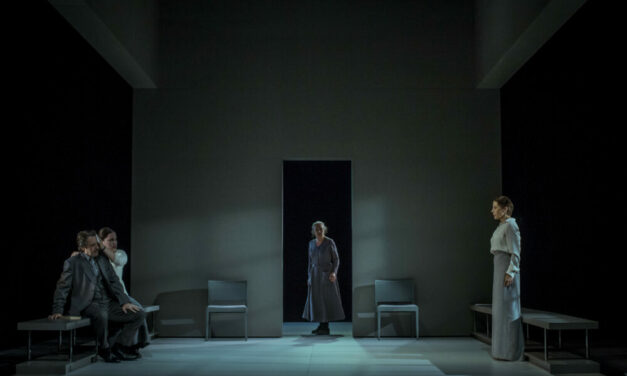 """Nora is back: """"A Doll's House, Part 2"""" on the Catalan stage"""