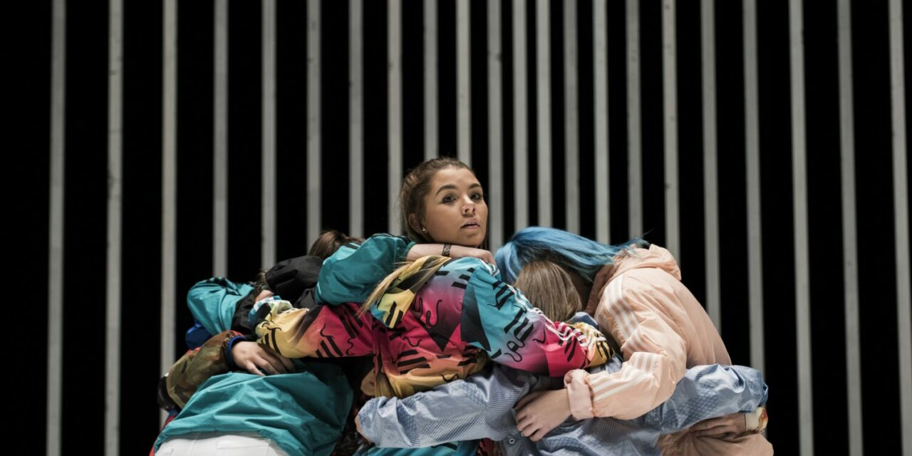 """A Quietly Bold Statement from a New Artist with a Lot to Tell: Oona Doherty's """"Hard to be Soft"""" at Dance Umbrella Festival at Southbank Centre, London"""