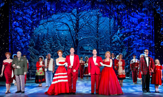 "Nostalgia on Parade: ""White Christmas"" on Tour in Boston"