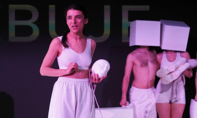 """The Puppets Are Changing: """"The Weak Year"""" at The Academy of Theatre Arts in Wrocław"""