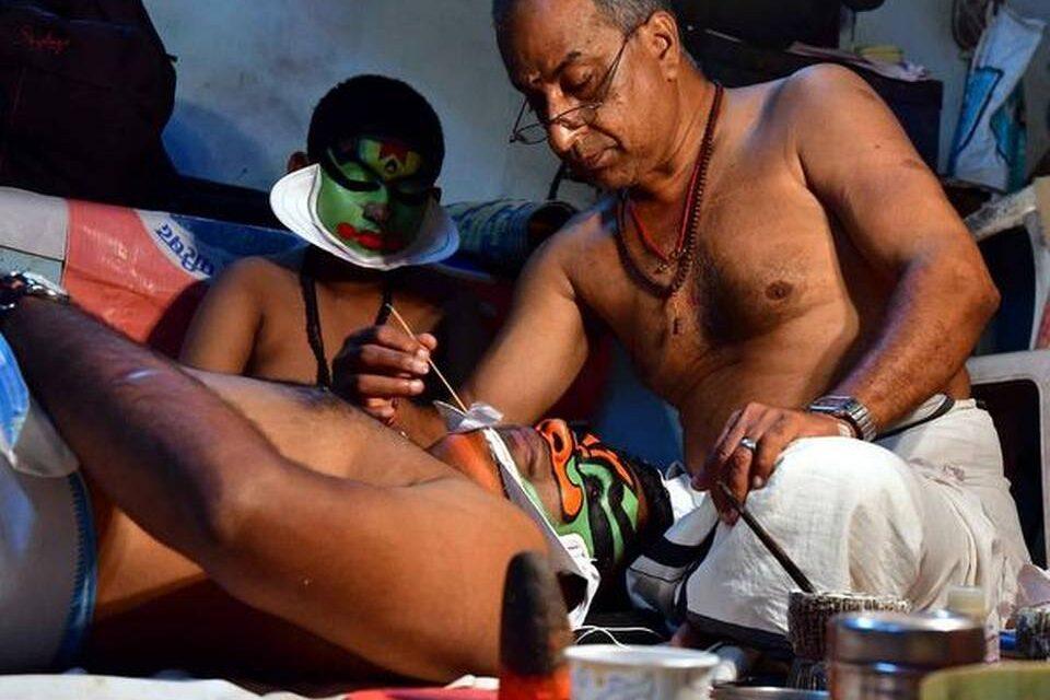 Chutti Artiste Margi Raveendran Nair's Make-Up Transforms Kathakali Actors into Characters