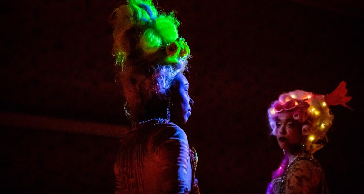 """United Queendom"": When Immersive Theatre Meets Historical Reenactment Tour"