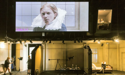 "Alice Birch and Katie Mitchell's ""Orlando"" at the Schaubühne Theatre: Queer Desire on the Big Screen"