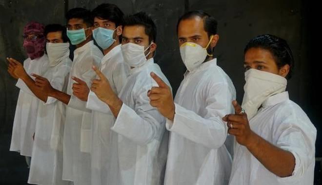 "Street Play ""Sheher-e-Naqab"" Brings Awareness About Coronavirus"