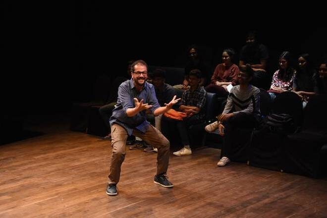 "QTP's ""Every Brilliant Thing"" Takes to The Digital Medium for a Live Storytelling Performance"