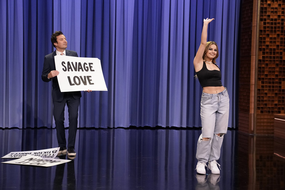 Addison Rae teaches Jimmy Fallon TikTok dances March 26, 2021. Photo by: Andrew Lipovsky/NBC.