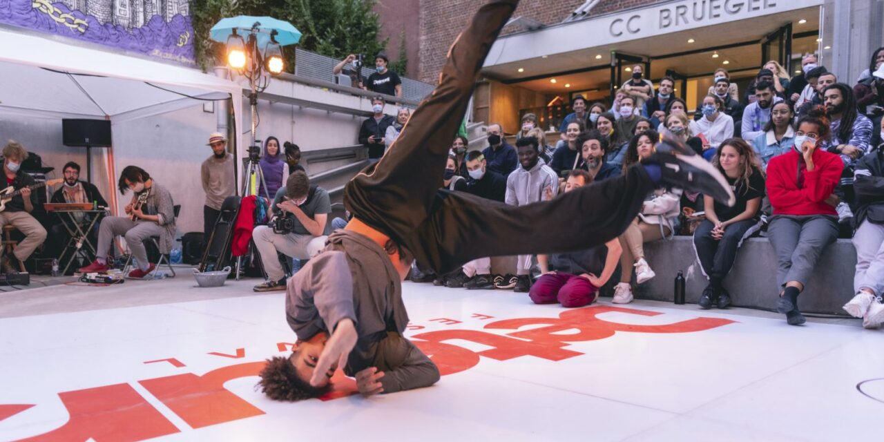 Get Down: A New Way to Rise. Professionalizing Urban Dances, From Street to Stage.