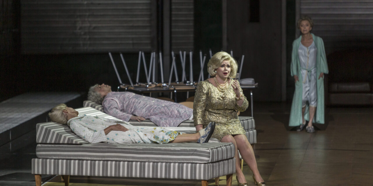 A Memory Palace on Tauris: Reprise of Gluck's Iphégenie en Tauride at the Paris Opera